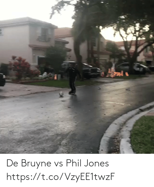 ballmemes.com: De Bruyne vs Phil Jones https://t.co/VzyEE1twzF