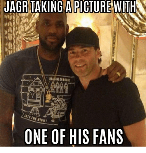 A Picture, Jagr, and One: JAGR TAKING A PICTURE WITH  IHE NIGHT  ONE OF HIS FANS