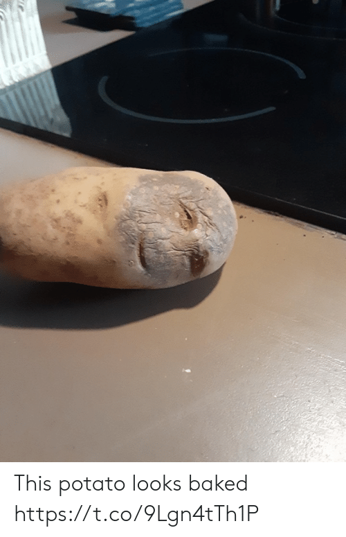 Baked, Potato, and Faces-In-Things: This potato looks baked https://t.co/9Lgn4tTh1P